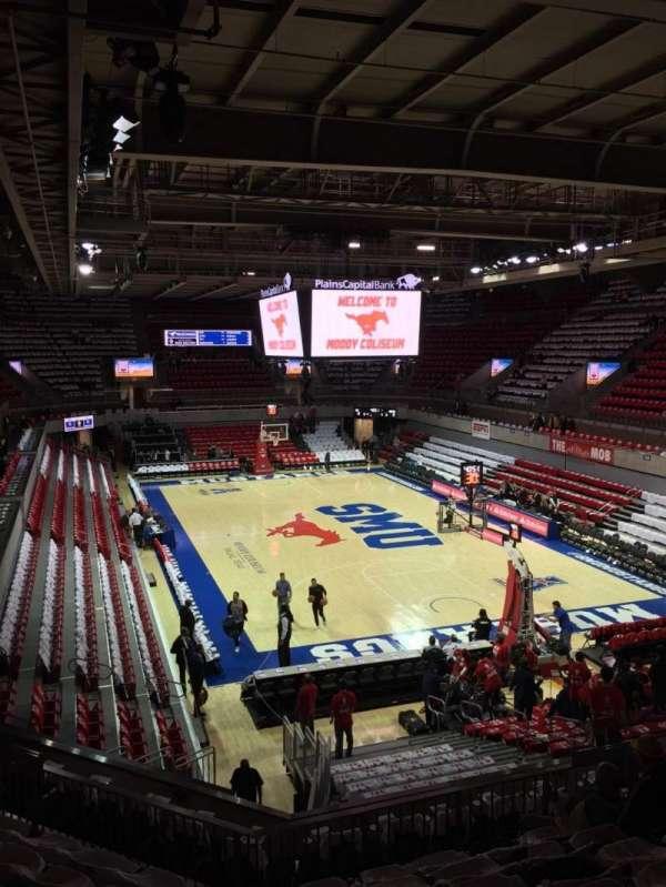 Moody Coliseum, secção: 201, fila: 8, lugar: 11