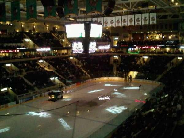 Ralph Engelstad Arena, secção: 310