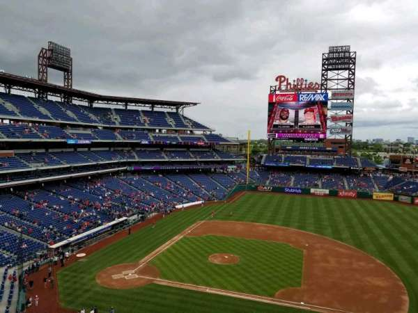 Citizens Bank Park, secção: 315, fila: 1, lugar: 3