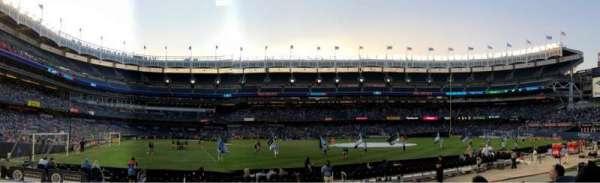 Yankee Stadium, secção: 105, fila: 4, lugar: 12