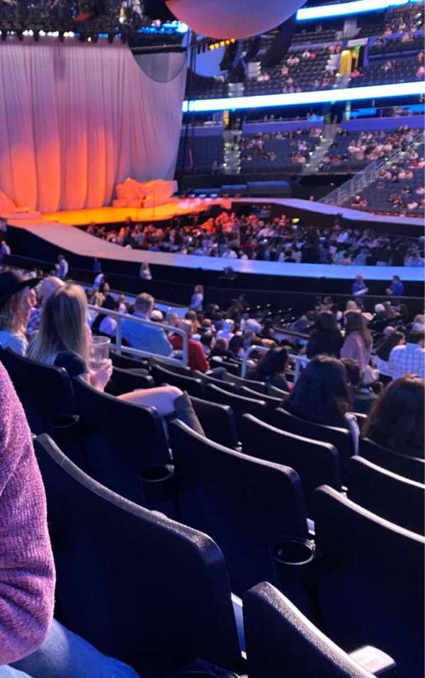 Amalie Arena, secção: 115, fila: V, lugar: 10