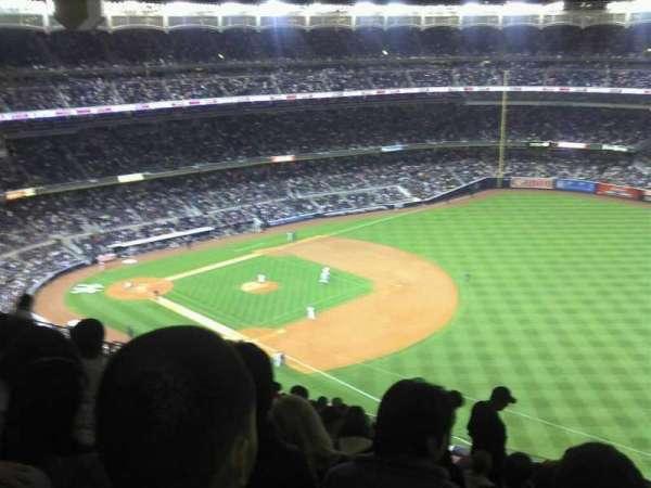 Yankee Stadium, secção: 411, fila: 13, lugar: 5