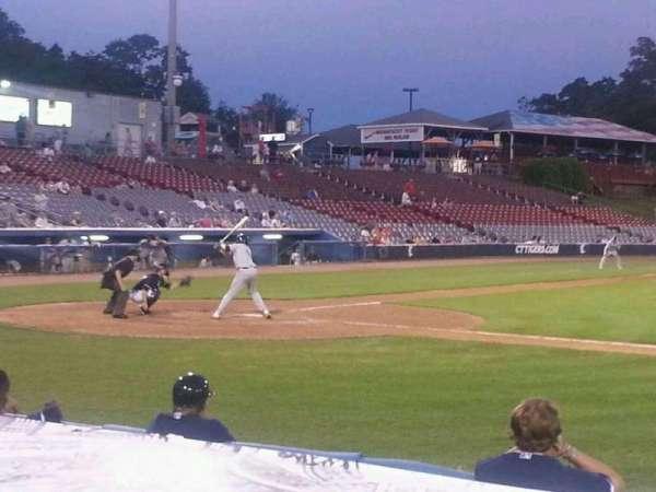 Dodd Stadium, secção: 6, fila: B, lugar: 10