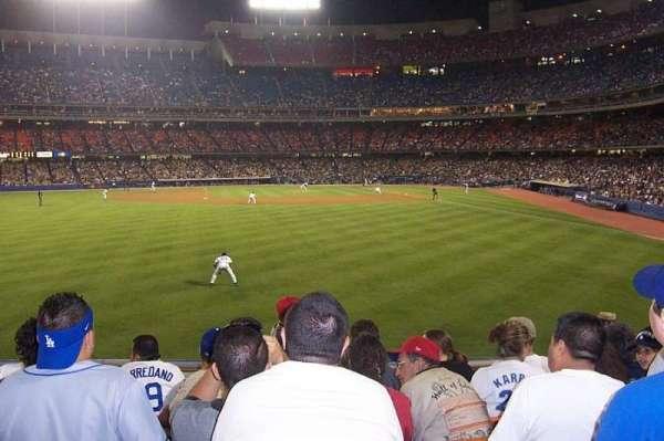 Dodger Stadium, secção: 303PL, fila: G, lugar: 106