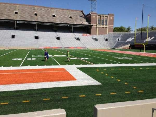 Memorial Stadium (Champaign), secção: 126, fila: 6, lugar: 2