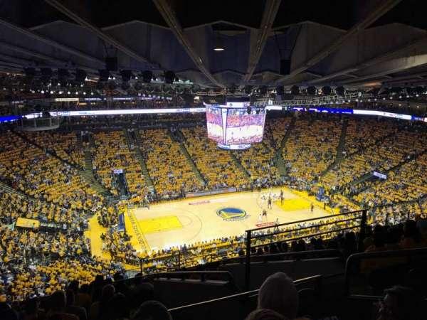 Oakland Arena, secção: 219, fila: 12, lugar: 4