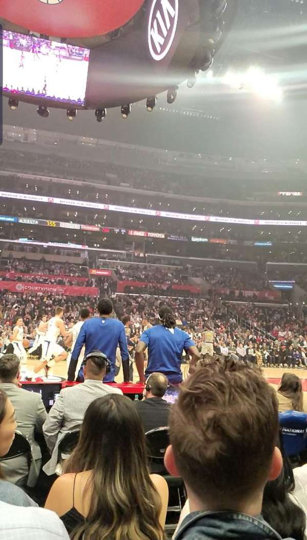 Staples Center, secção: 101, fila: 1, lugar: 9