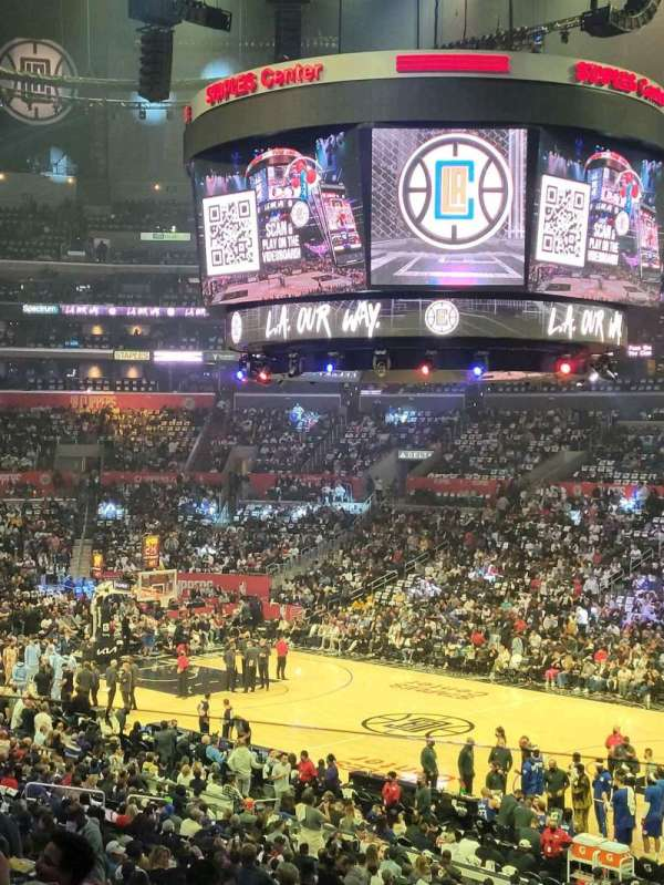 Staples Center, secção: PR02, fila: 10, lugar: 1