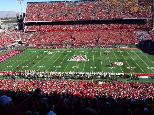 Arizona Stadium, secção: 20, fila: 74, lugar: 22