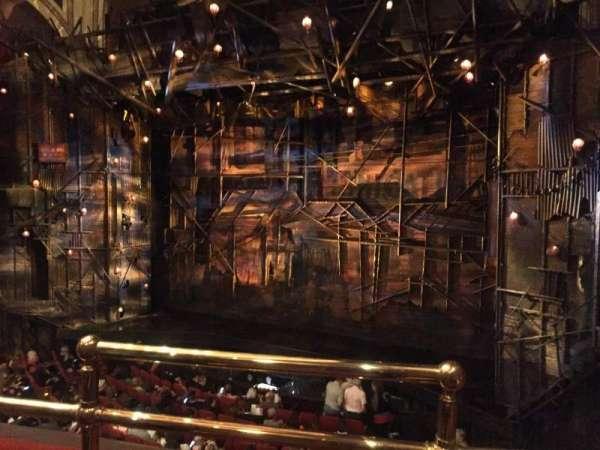Broadway Theatre - 53rd Street, secção: Front Mezzanine R, fila: B, lugar: 1