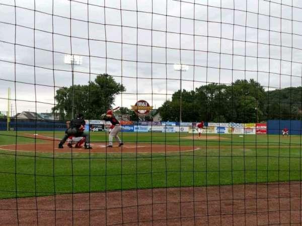 BB&T Ballpark at Historic Bowman Field, secção: F, fila: B, lugar: 4
