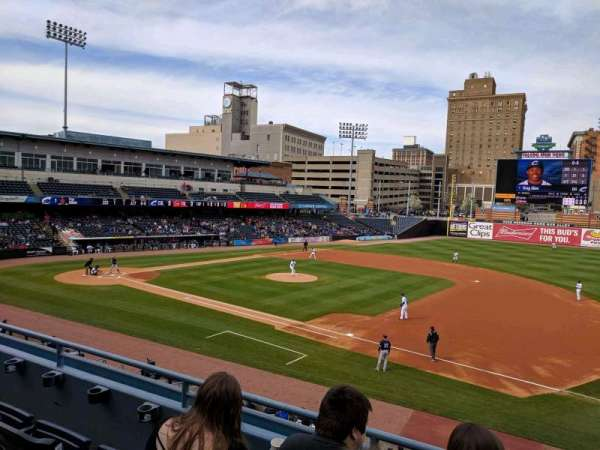 Fifth Third Field, secção: 215, fila: C, lugar: 1