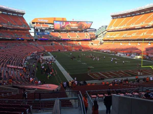 FirstEnergy Stadium, secção: 144, fila: 32, lugar: 1