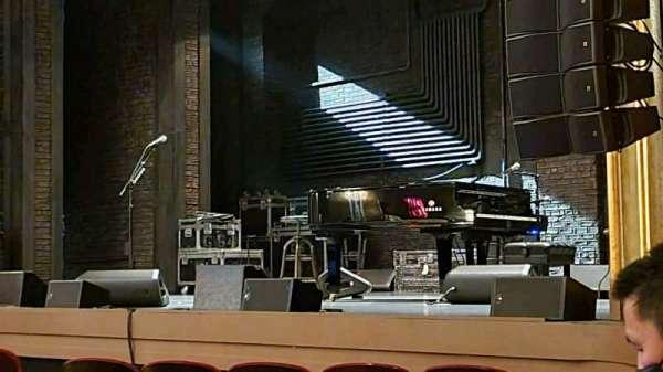 St. James Theatre, secção: Orchestra R, fila: H, lugar: 26
