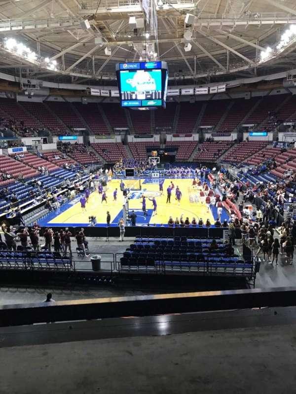 North Charleston Coliseum, secção: 240, fila: A, lugar: 5