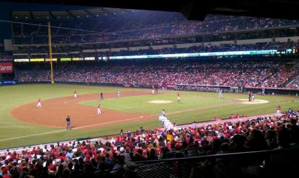 Angel Stadium, secção: 209, fila: j, lugar: 1