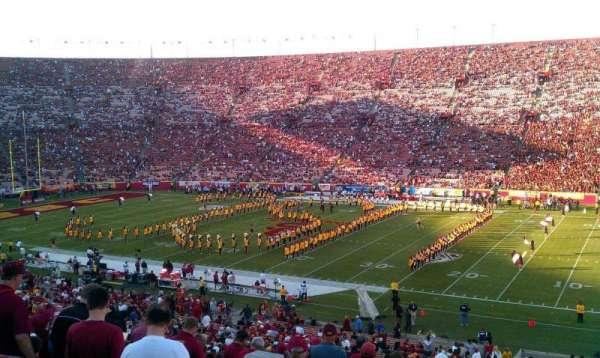 Los Angeles Memorial Coliseum, secção: 5H, fila: 45, lugar: 106
