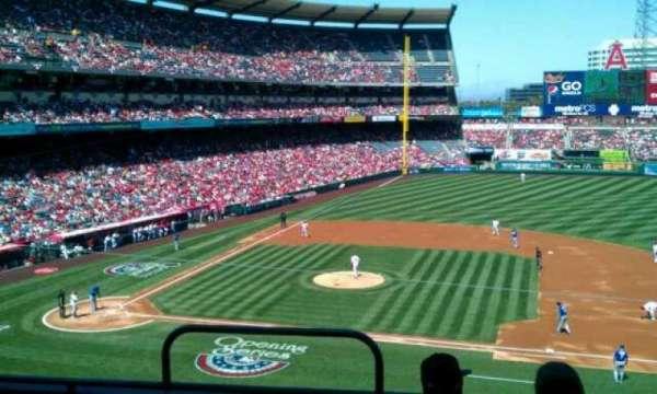 Angel Stadium, secção: 335, fila: d, lugar: 1
