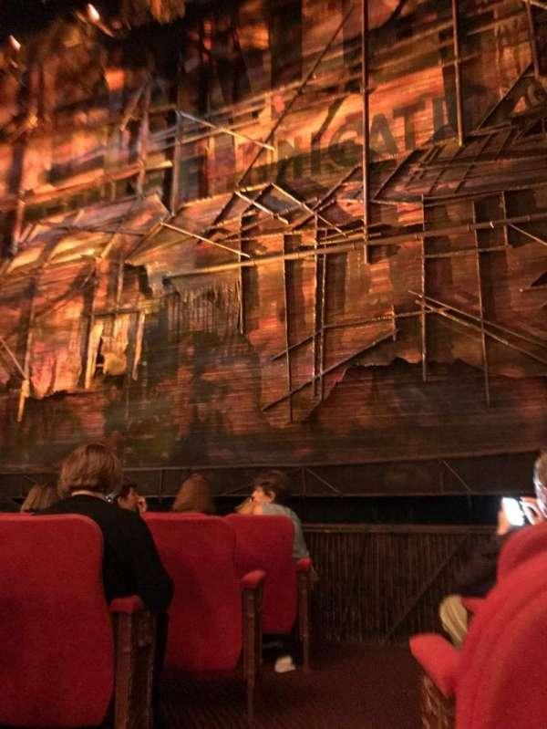 Broadway Theatre - 53rd Street, secção: Orchestra R, fila: F, lugar: 1