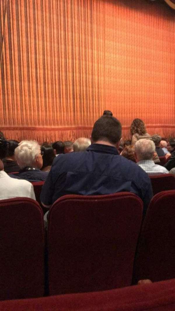 Imperial Theatre, secção: Orchestra L, fila: J, lugar: 11