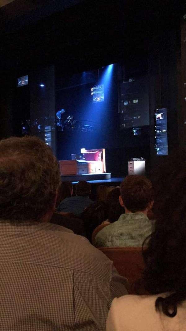 Music Box Theatre, secção: Orchestra R, fila: J, lugar: 12