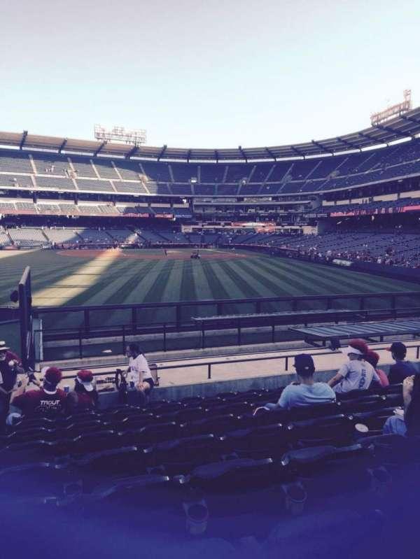 Angel Stadium, secção: 258, fila: r, lugar: 1
