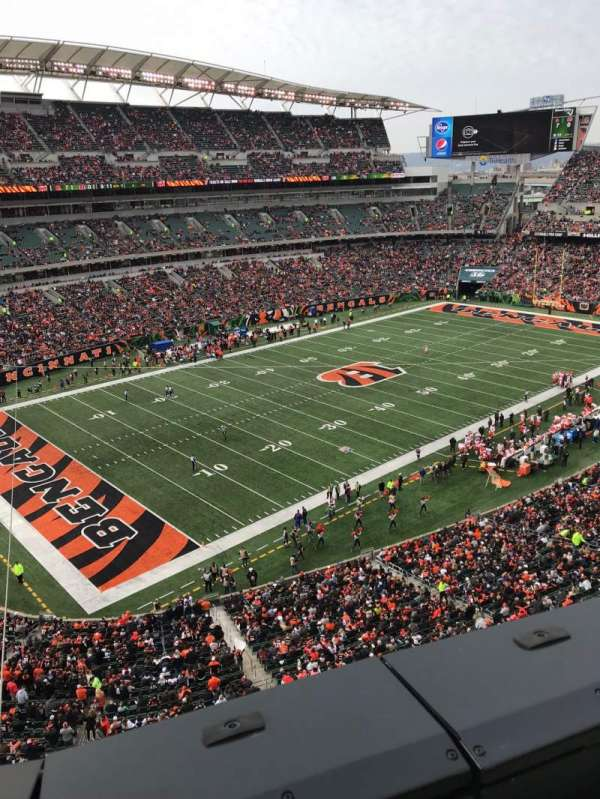 Paul Brown Stadium, secção: 347, fila: 1, lugar: 14