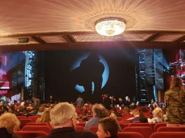 Broadway Theatre - 53rd Street, secção: Orchestra R, fila: V, lugar: 7