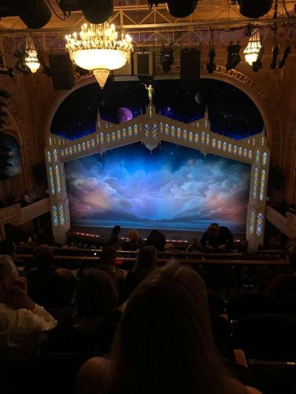 Eugene O'Neill Theatre, secção: Mezzanine R, fila: J, lugar: 110