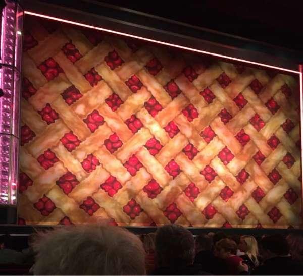 Adelphi Theatre, secção: Stalls, fila: H, lugar: 18