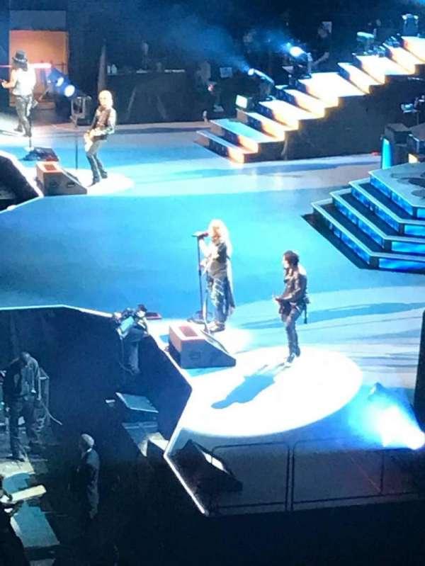 Madison Square Garden, secção: 211, fila: 1, lugar: 21