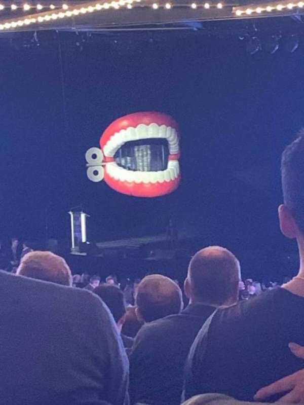 Hulu Theater at Madison Square Garden, secção: 304, fila: A, lugar: 16
