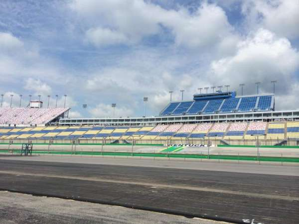 Kentucky Speedway, secção: Infield