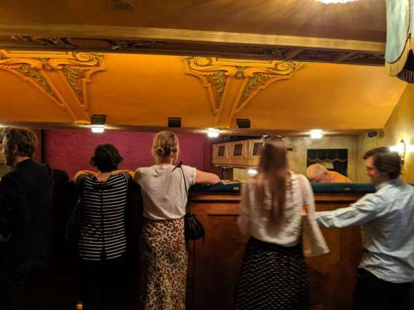 Shubert Theatre, secção: Standing Room, lugar: 18