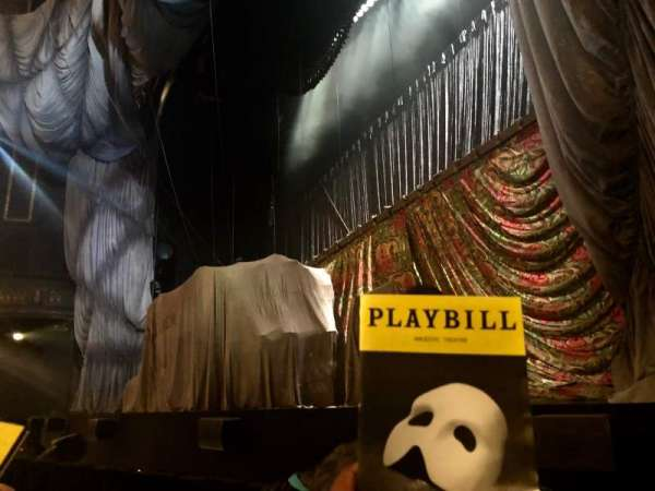 Majestic Theatre, secção: Orchestra R, fila: BB, lugar: 14