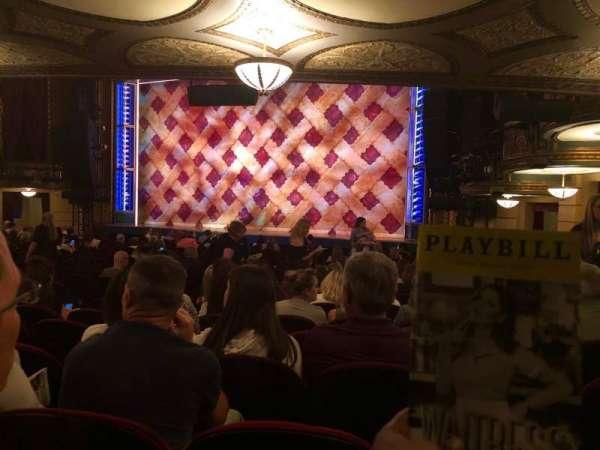 Brooks Atkinson Theatre, secção: Orchestra R, fila: Standing Room, lugar: 9