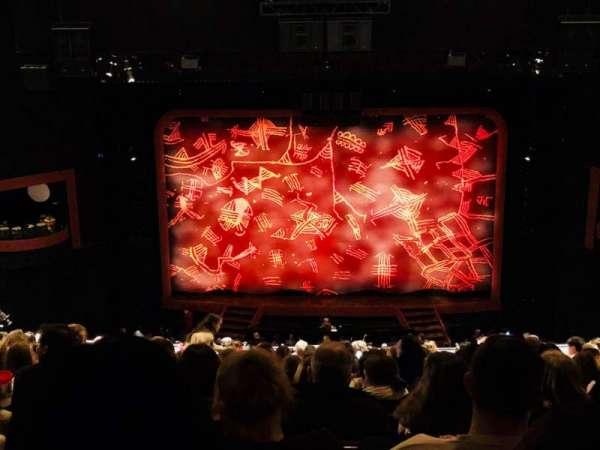 Minskoff Theatre, secção: Mezzanine, fila: L, lugar: 129