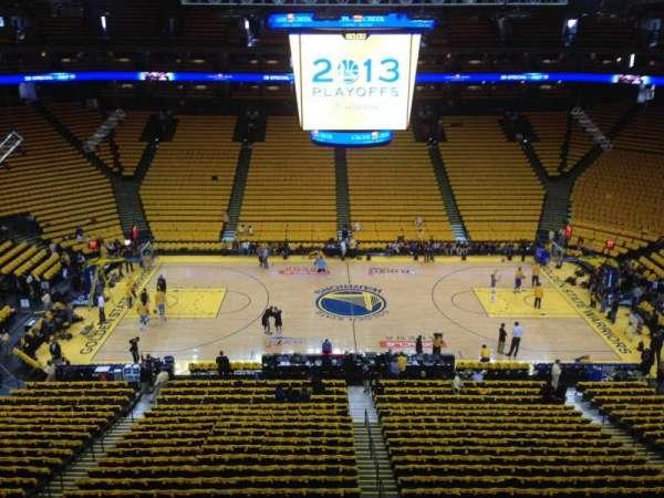 Oakland Arena, secção: 201, fila: 1, lugar: 1