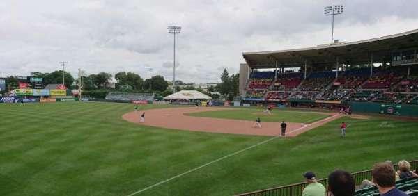 McCoy Stadium, secção: 15, fila: F, lugar: 23