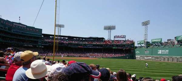 Fenway Park, secção: Right Field Box 92, fila: GG, lugar: 9