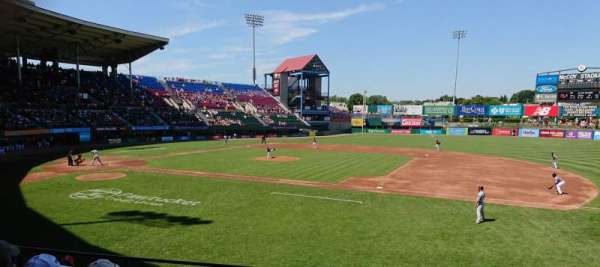 McCoy Stadium, secção: 1, fila: F, lugar: 7