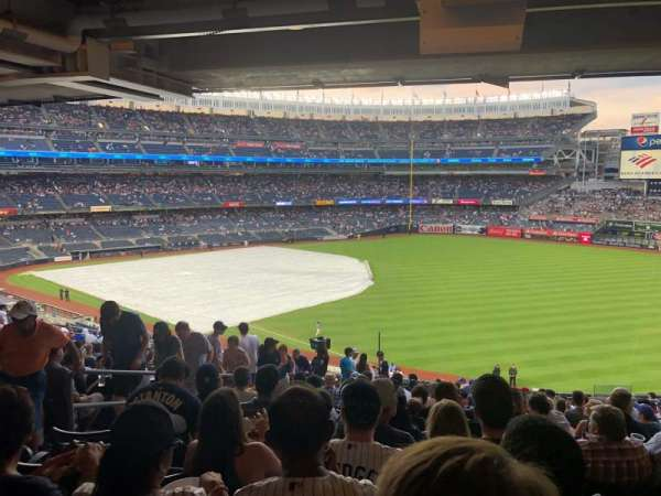 Yankee Stadium, secção: 209, fila: 14, lugar: 12