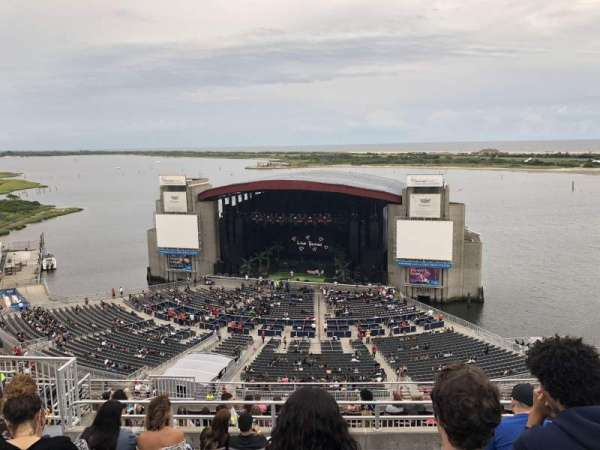 Jones Beach Theater, secção: 20, fila: N, lugar: 18