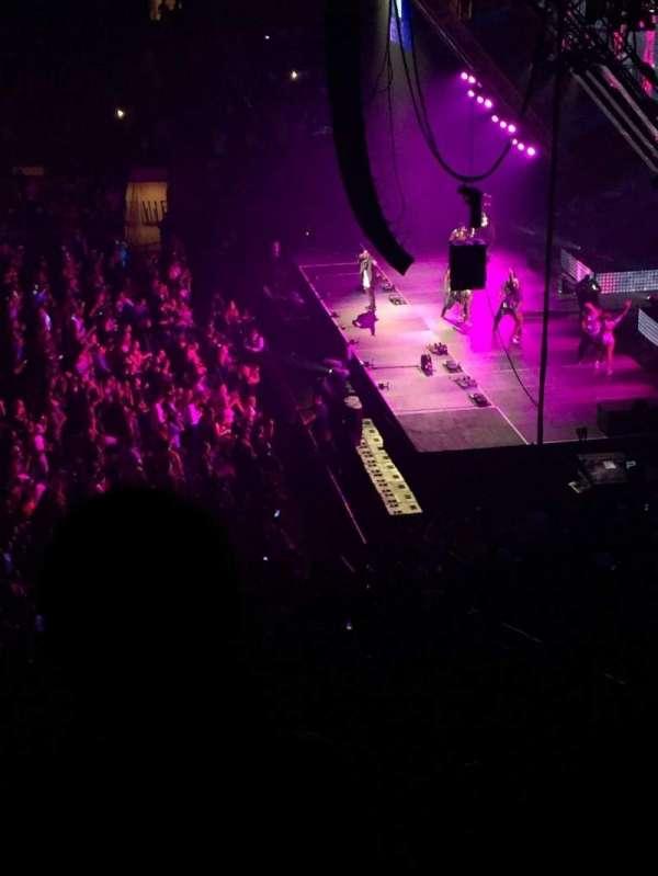 Madison Square Garden, secção: 213, fila: 5, lugar: 7