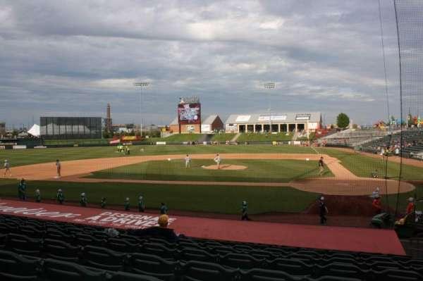 T-Bones Stadium, secção: 106, fila: 13, lugar: 22