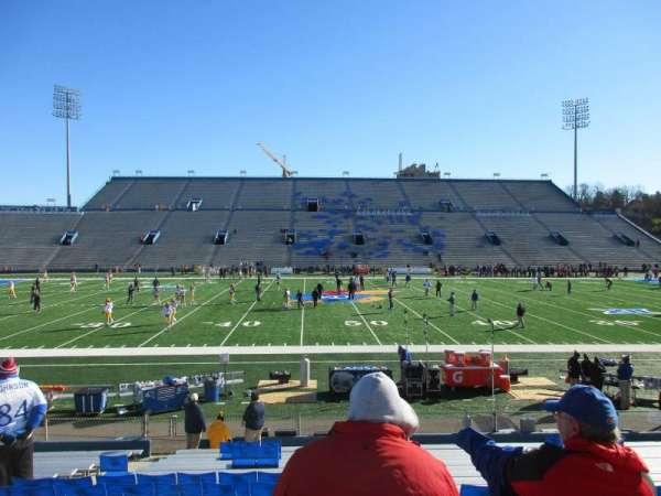 David Booth Kansas Memorial Stadium, secção: 6, fila: 19, lugar: 18