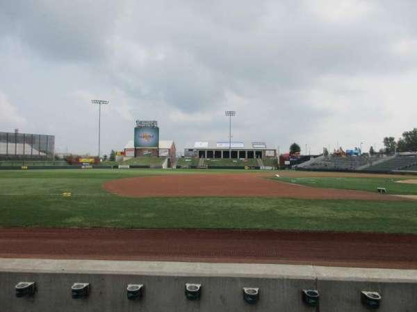 T-Bones Stadium, secção: 110, fila: 3, lugar: 7