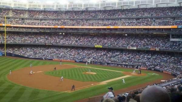 Yankee Stadium, secção: 228, fila: 11, lugar: 13