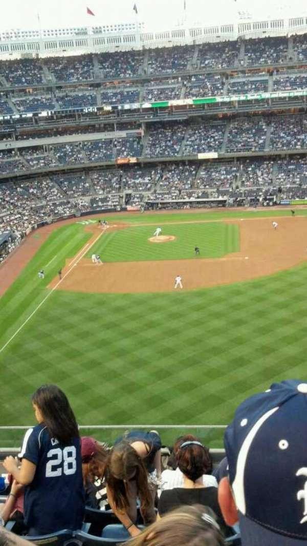Yankee Stadium, secção: 305, fila: 6, lugar: 9