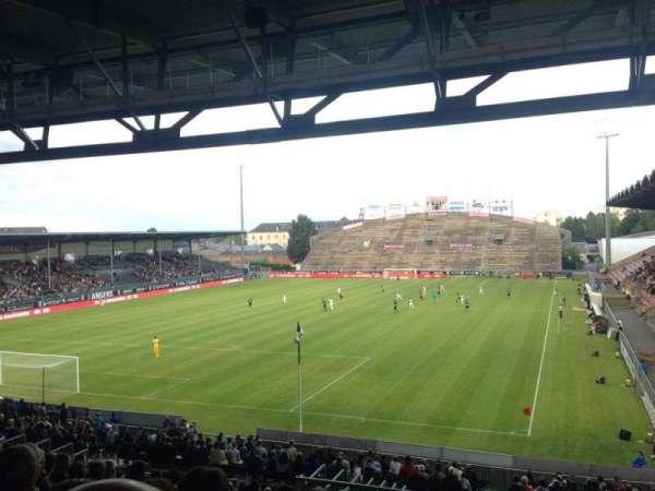 Stade Raymond Kopa, secção: Coubertin A, fila: AD, lugar: 15